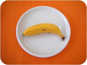 La banana nella sua forma naturale