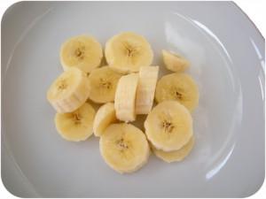 La banana tagliata a pezzetti senza un'idea creatrice